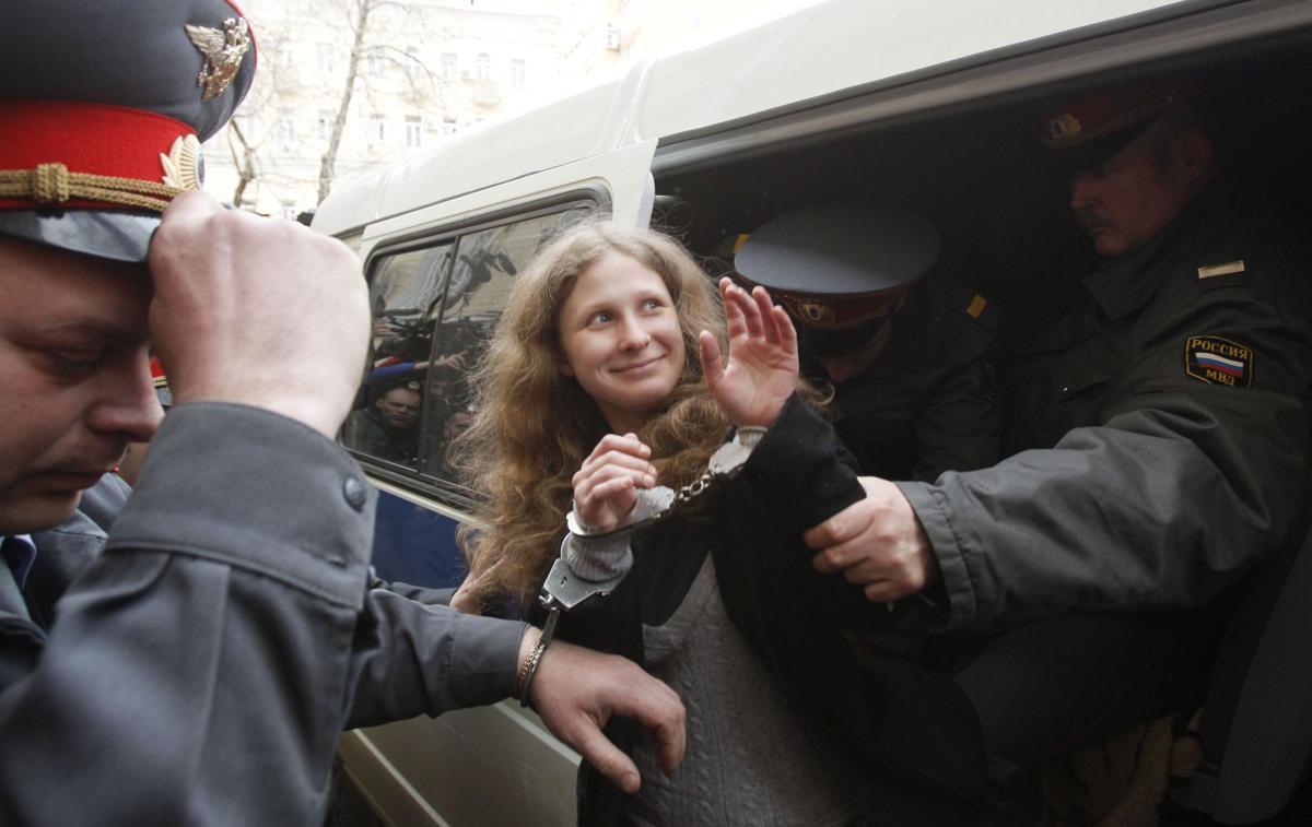 More jail for 3 who mocked Putin