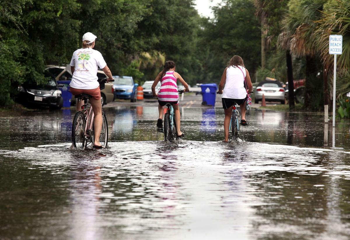 Flash flood warning issued for Folly Beach, Johns Island, Kiawah until 1:30 p.m.