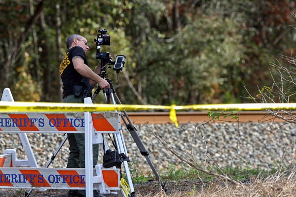2 slayings likely not linked, officials say