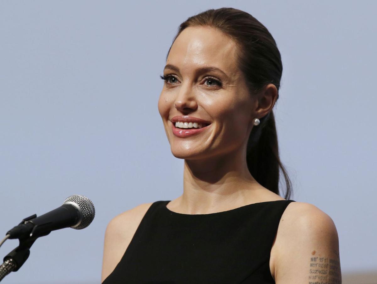 Angelina Jolie to direct