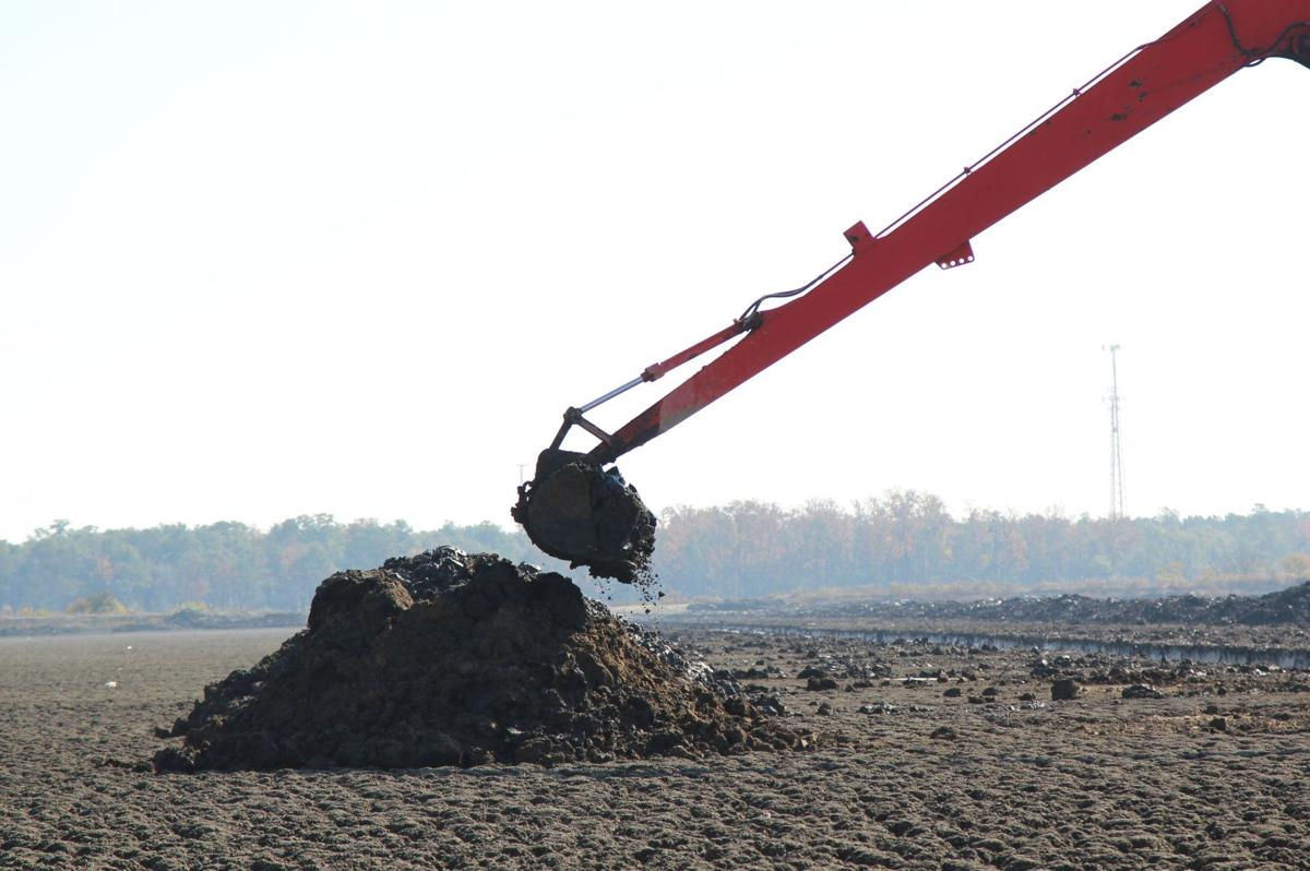 Method to the muck Charleston Harbor vitality depends on dredge disposal site in Cooper River