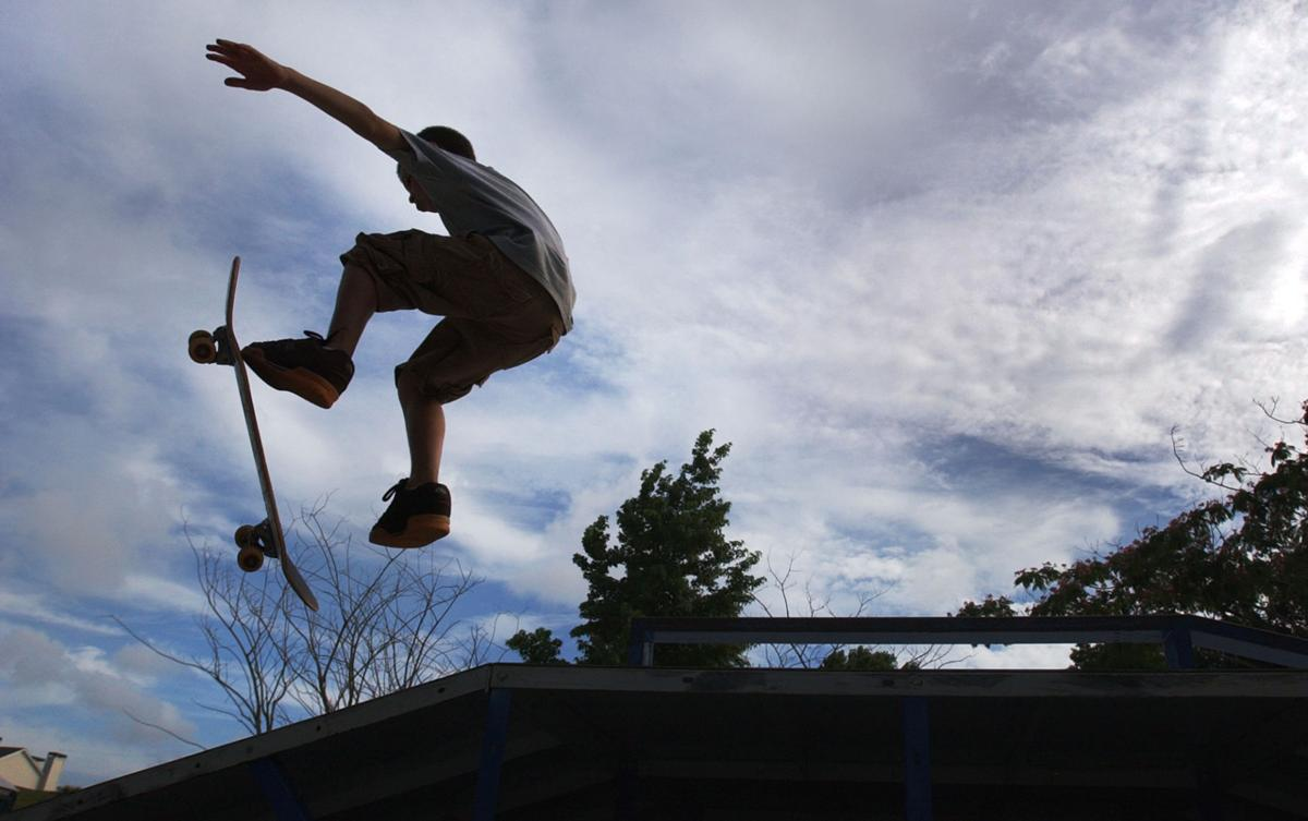 Skateboarders pack meeting to ask Summerville to build a park