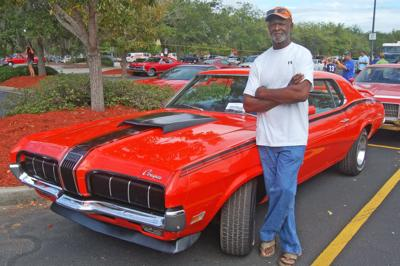 Overflow 175-car turnout — and more than one burnout — sparks Lowcountry Travelers car show