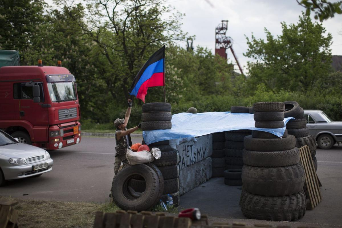 Ukraine launches talks but its foes are missing