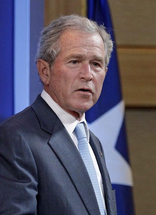 Candidates seek former president George W. Bush's endorsement