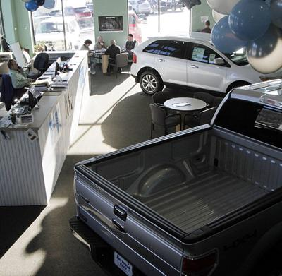 U.S. auto sales up last year for 1st time since downturn