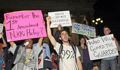 Occupy protesters leave tent for Gov. Haley