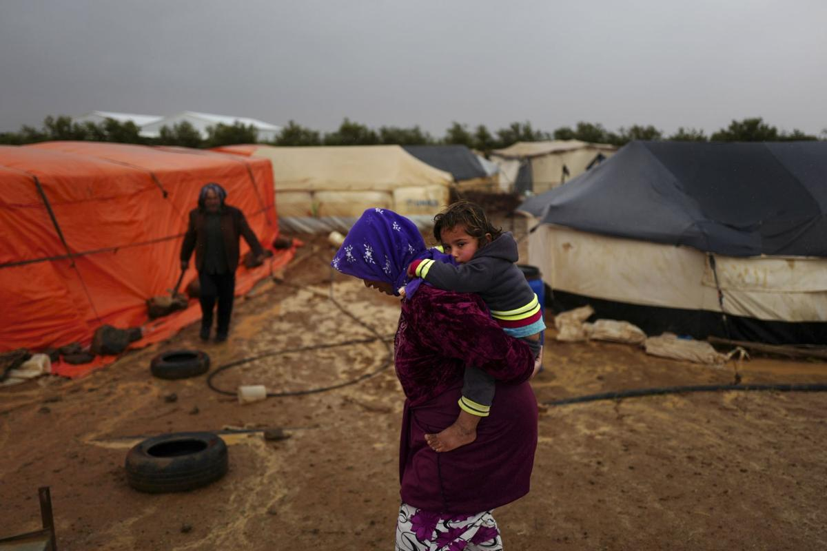 House members work to delay decision on refugee registry bill