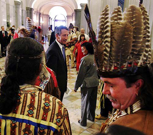 American Indians return to tradition