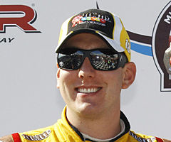 Kyle wins Cup race at Dover