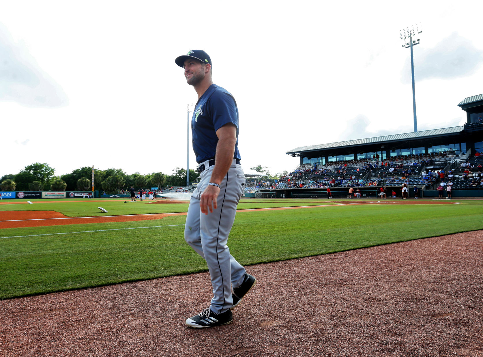 Tim Tebow's Famous John 3:16 Eye Blacks Mocked by Charleston RiverDogs