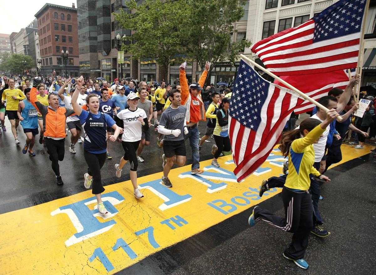 Thousands walk, run final mile