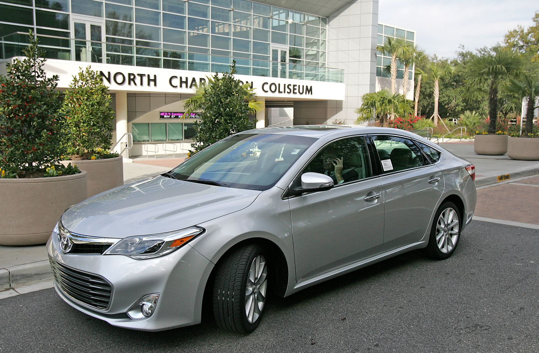 Upstart Luxury: New Toyota Avalon Eyes Young And Mature Buyers Drawn To  Sporty Looks,