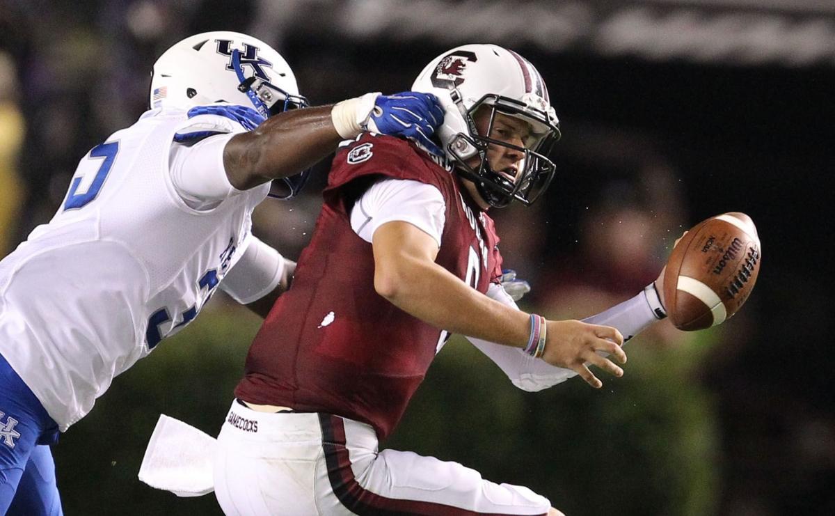 Gamecocks lose SEC opener, starting quarterback as Kentucky claims rare road win