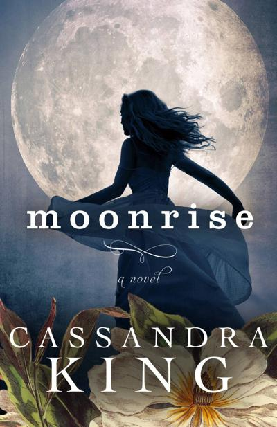 'Moonrise' glimpse of Blue Ridge Mountains