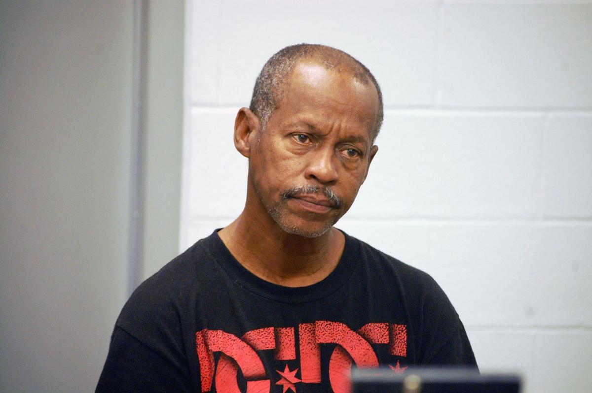 Murder suspect Lee Bradley had long history of abusing girlfriend