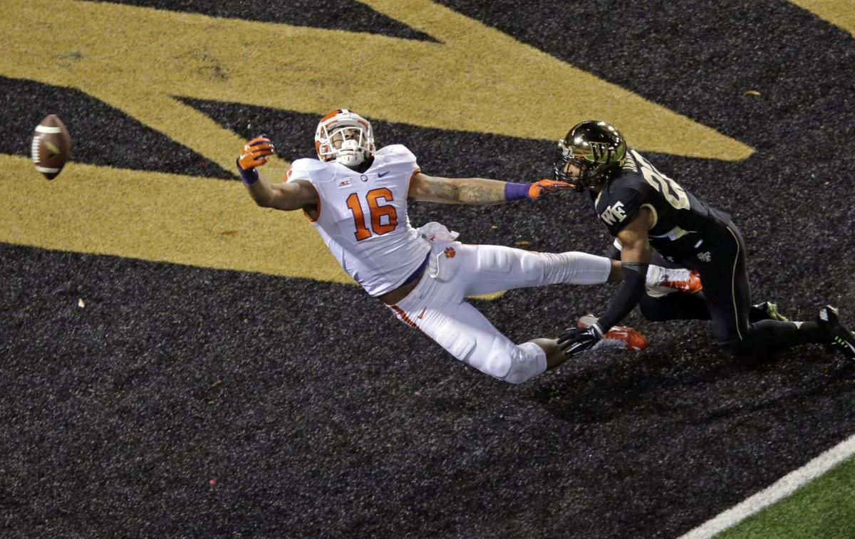 Leggett, Clemson tight ends try to rebound from down years