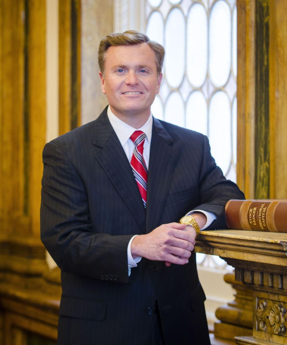 Wells Fargo exec in Mount P. now oversees Carolinas