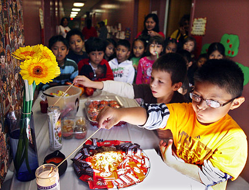 St. Thomas catechism class combines religion, culture for Mexican holiday