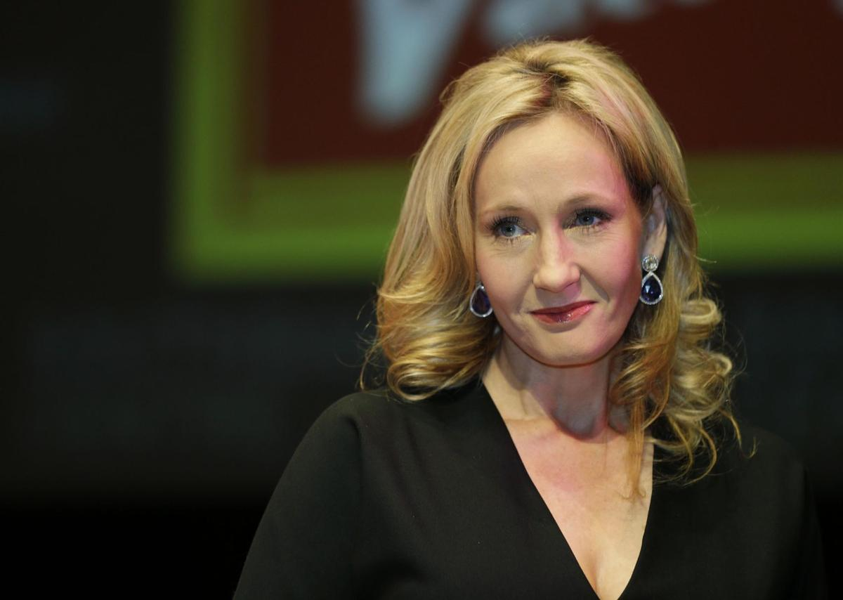 J.K. Rowling to work on Harry Potter stage play