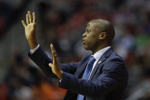 College of Charleston's Earl Grant agrees to 5-year contract extension | Post and Courier