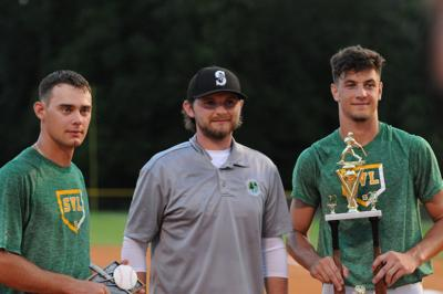 Hopkins edges out Palma for home run derby title