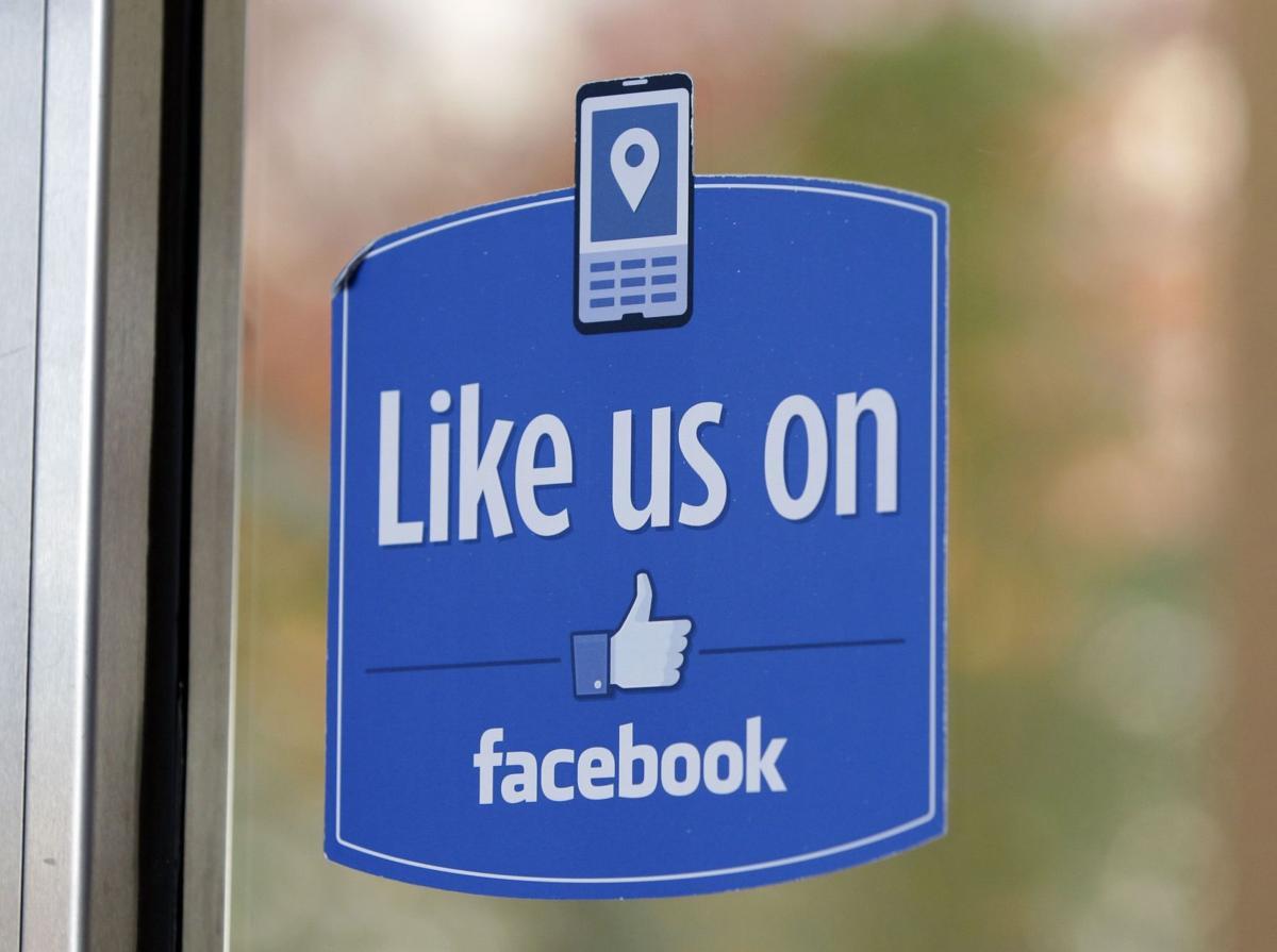 Facebook ties can help, hurt job hunt