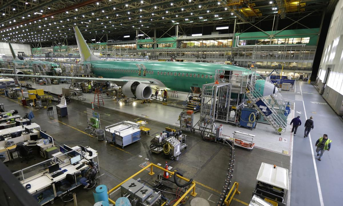 Iran reports deal with Boeing to update fleet Dreamliner among models offered in post-sanctions move that might signal improving ties with U.S. (copy)