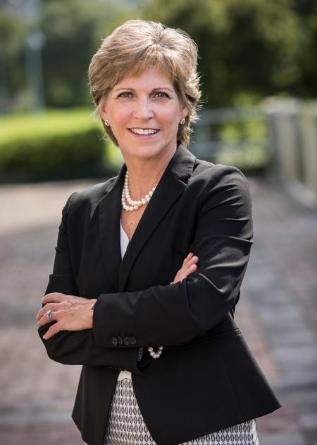 Forbes recognizes Mount Pleasant's Carolyn Hash as a top wealth advisor