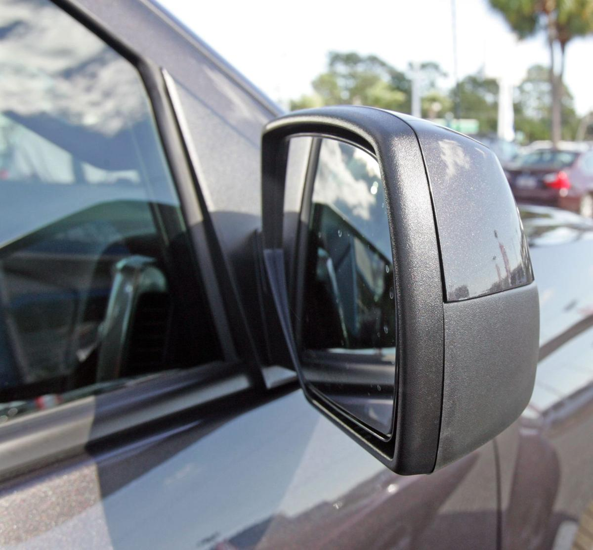Safety, costs steer car buyers, study finds