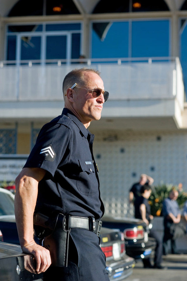 Woody Harrelson goes behind the badge