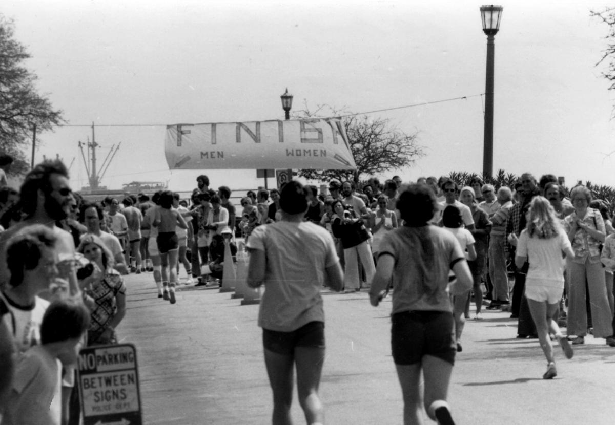 Bridge Run finish line at the Battery in 1978