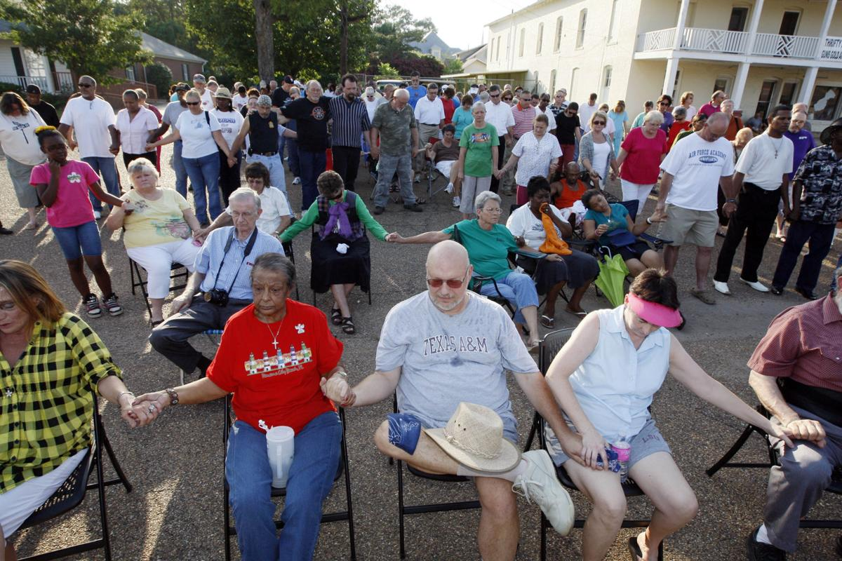 Baptist leaders urge Mississippi church to reject racism