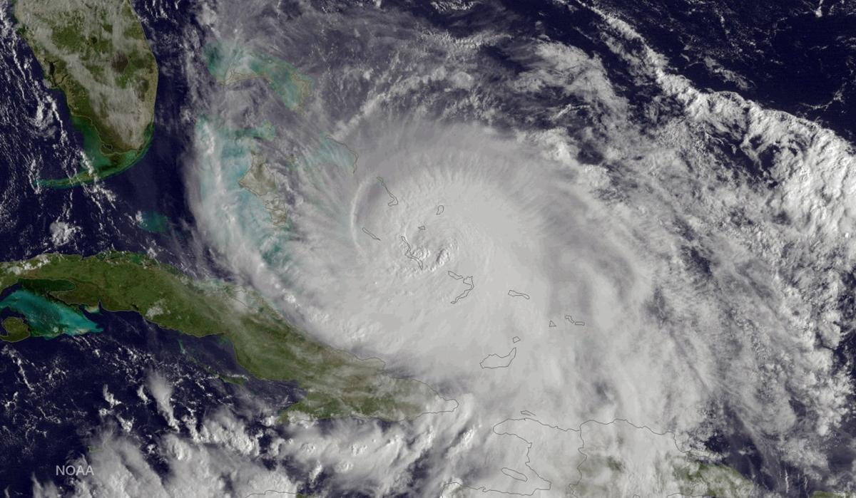Hurricane Joaquin batters Bahamas; 31 Americans on missing freighter (copy)