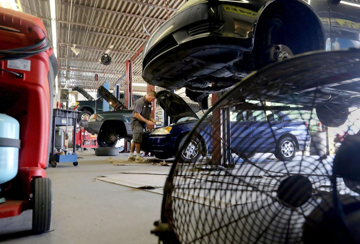 As temperatures rise, Charleston-area mechanics try to stay cool