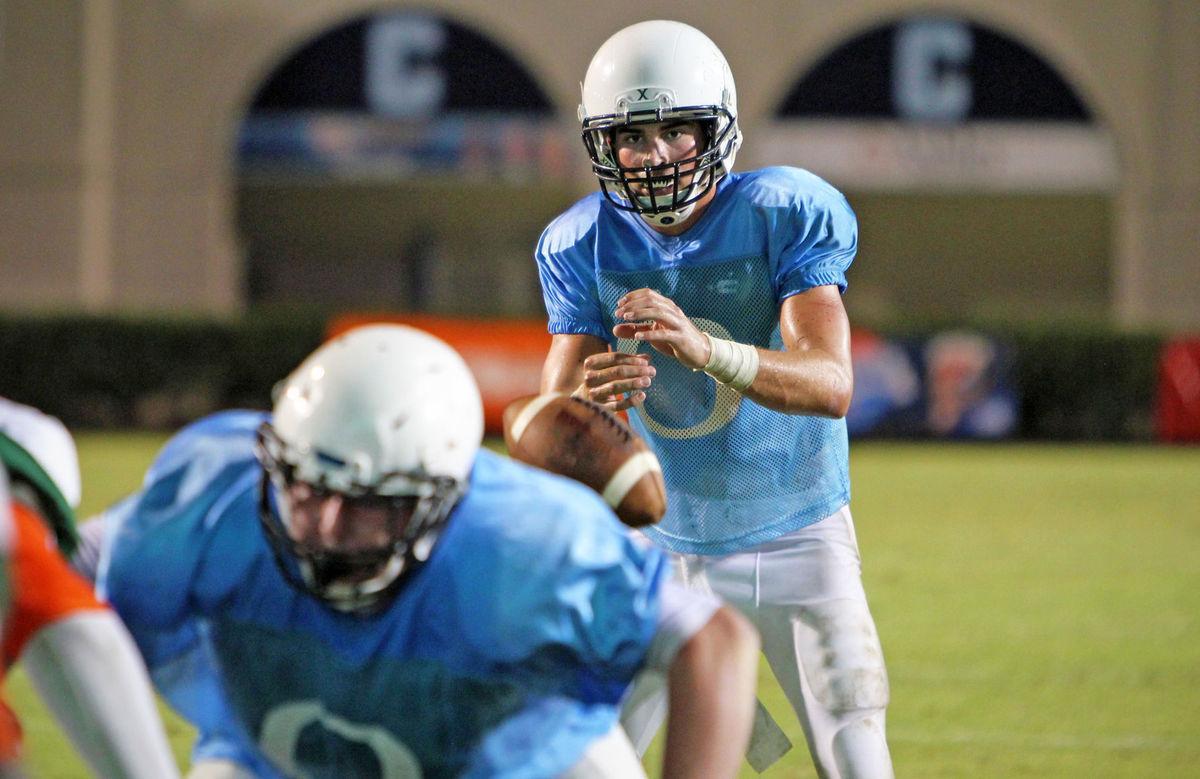 Quarterback Sam Hartman S Senior Year At Oceanside