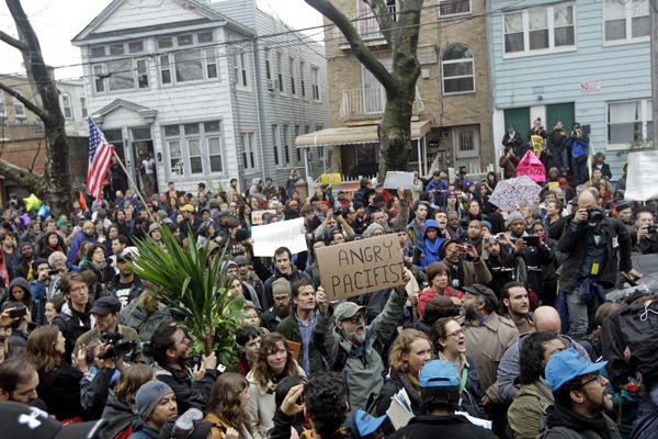 Occupy moves to foreclosed homes