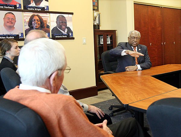 Clyburn says Goodwill helps fill training void