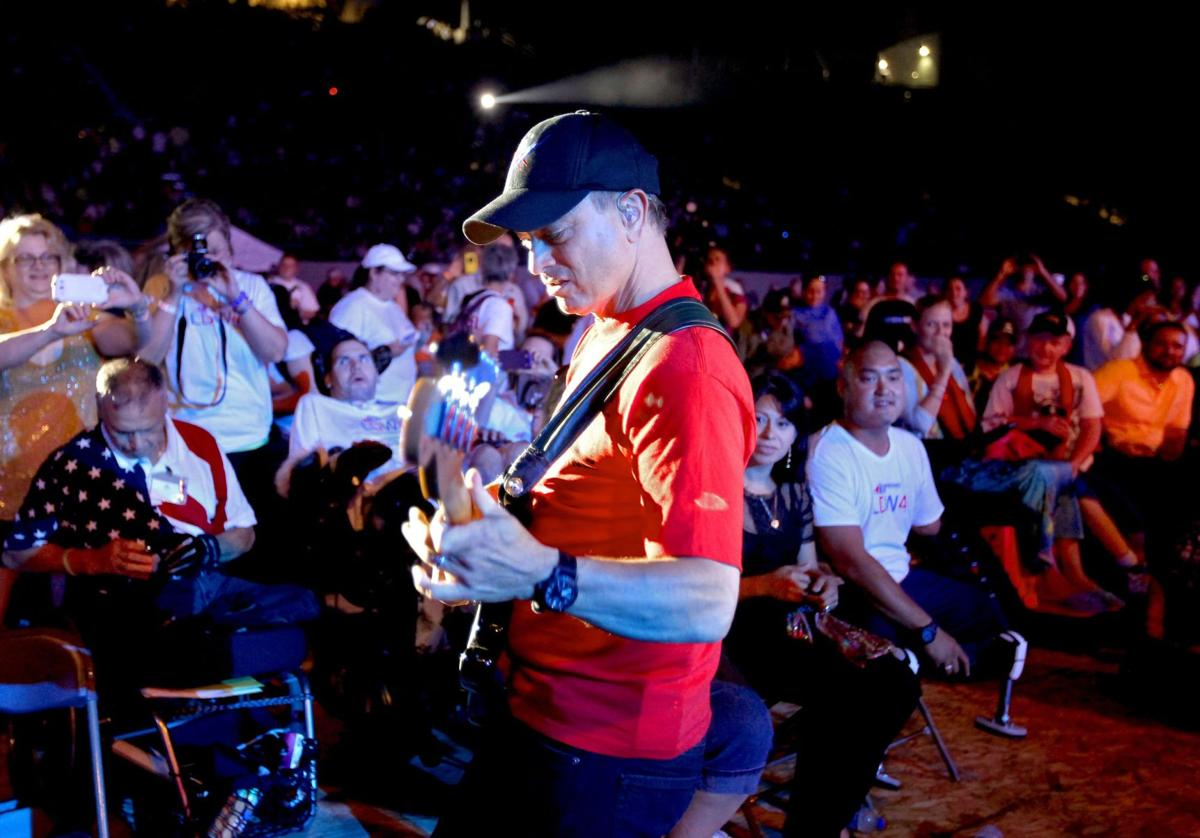 Gary Sinise returns to play with Lt. Dan Band during weekend for wounded veterans