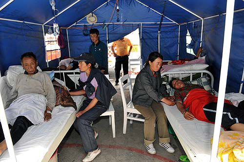 Local Chinese try to aid quake relief effort