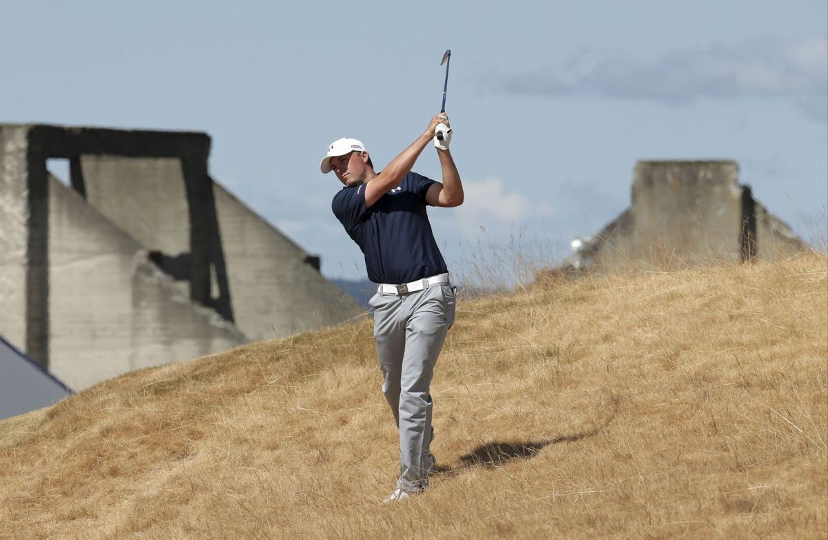 Spieth, Reed share U.S. Open lead