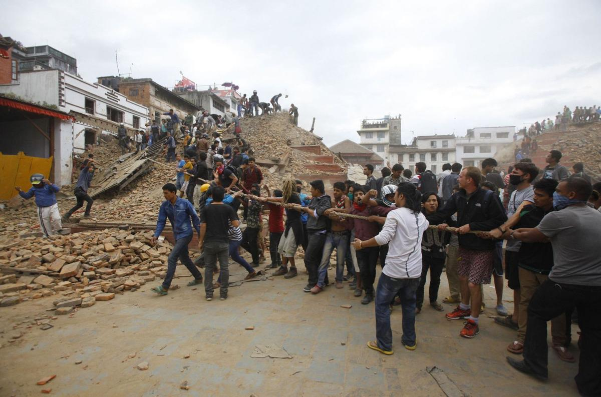 Death toll climbs after powerful quake hits Nepal