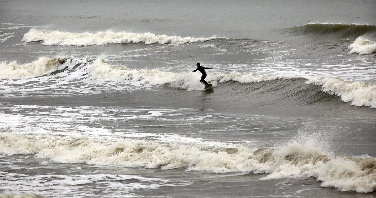 Wind, rain expected to hang into weekend
