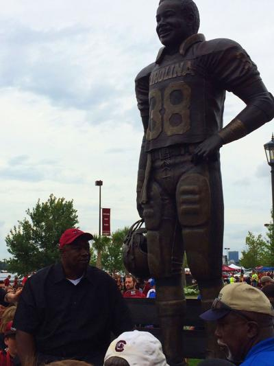 USC notes: 1980 Heisman winner George Rogers stands tall again; Connor Mitch injured