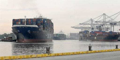 US ports race to keep up with bigger Panama Canal