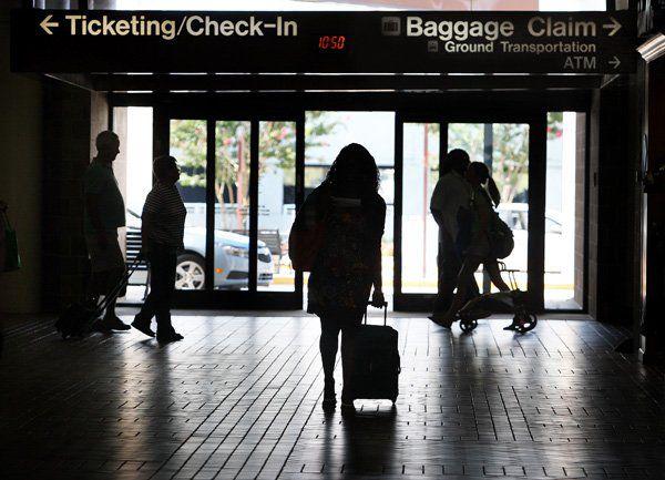 Stragglers may get best airfares