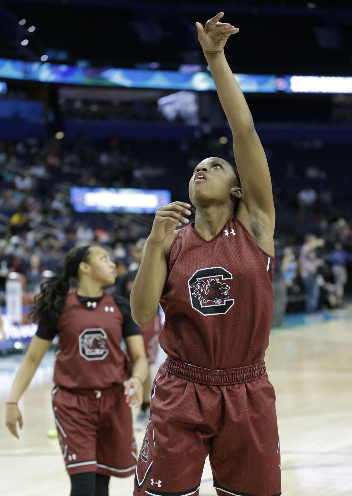 In Final Four, South Carolina's Mitchell receives her toughest job yet