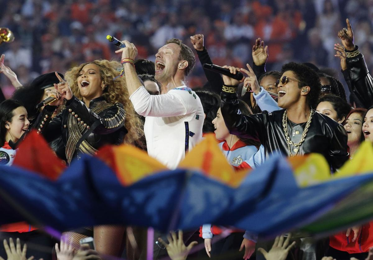 Coldplay lets guests overshadow band