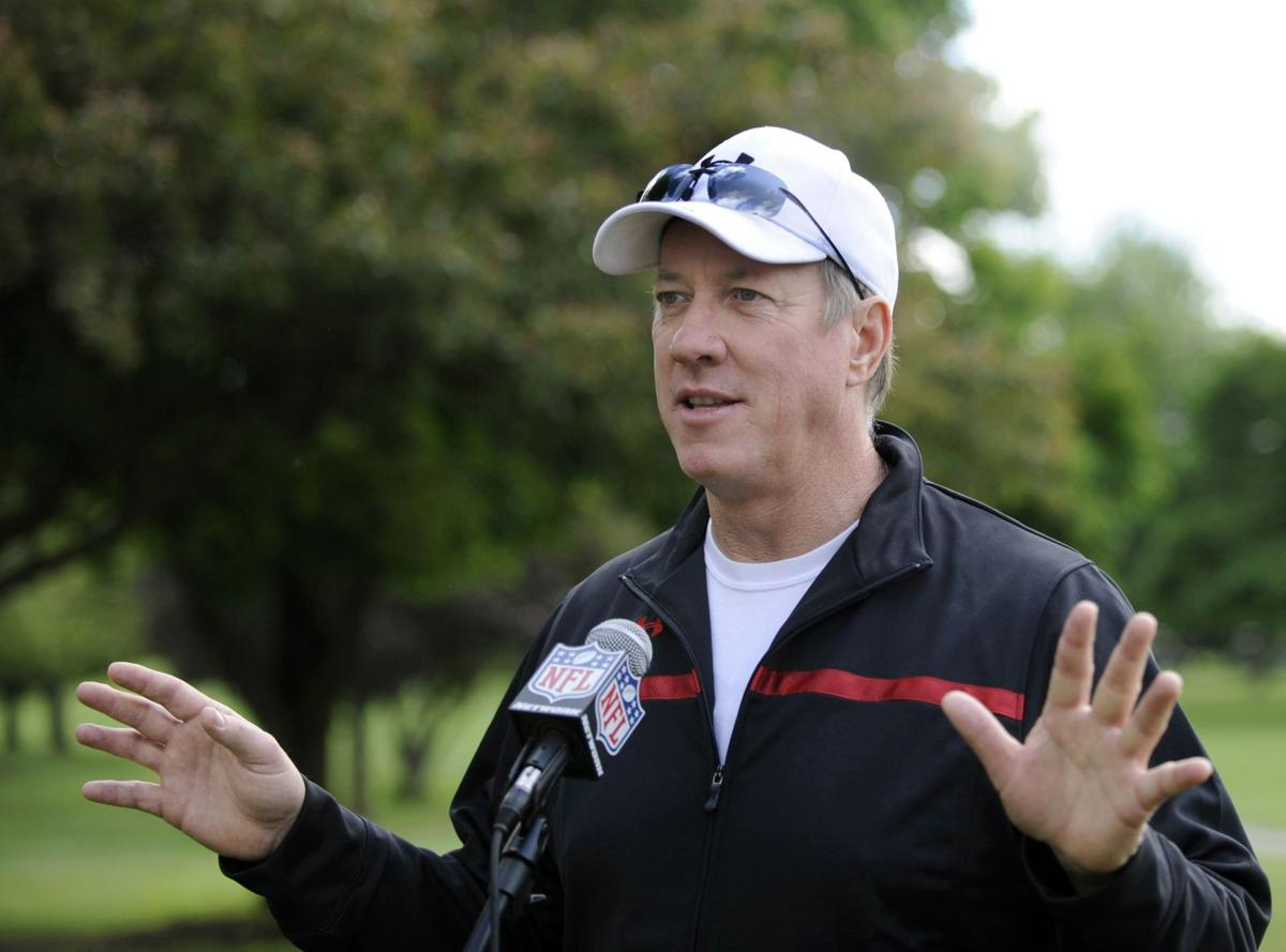 Ex-Bills QB Kelly battling cancer