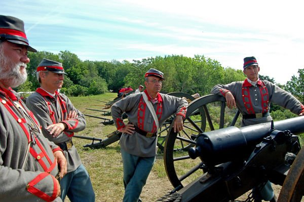 Re-enactors connect with past as they take part in Civil War commemoration events